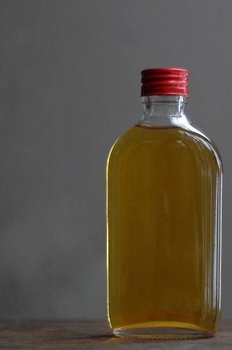Remédio caseiro líquido para a artrite