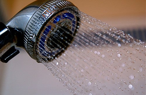Conheça as vantagens em tomar um bom banho de água fria