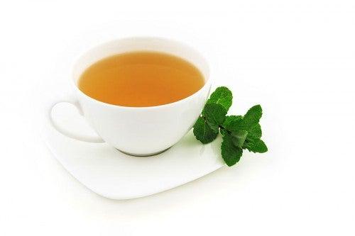 Propriedades do chá de hortelã, desde à digestão até o relaxamento