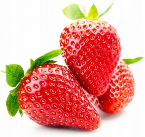 O morango é uma das frutas que podem te ajudar a perder peso