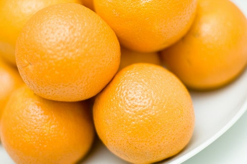 Tratamento com casca de laranja para os cabelos oleosos