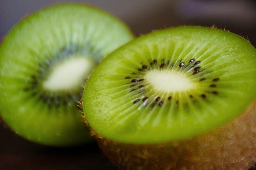 kiwi ajuda a eliminar gorduras