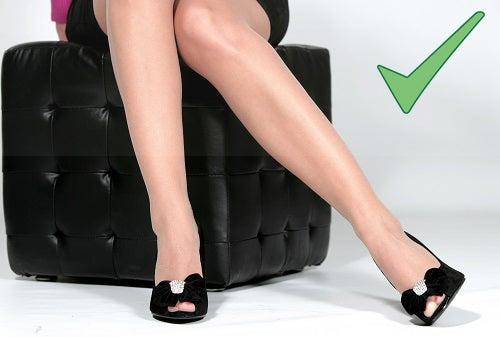 Ficar sentado por muito tempo pode contribuir para o aparecimento das varizes