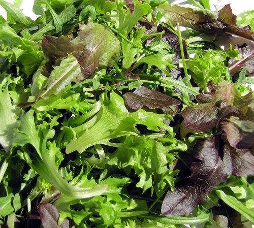 Uma das saladas mais deliciosas é a salada brasileira