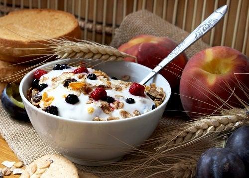 muesli with yogurt,healthy breakfast rich in fiber