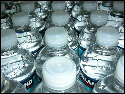 Beba bastante água para evitar cálculos renais