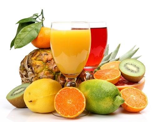 Não desperdice as cascas de suas frutas prediletas, onde geralmente vão todos os nutrientes. Que tal preparar um ótimo suco?