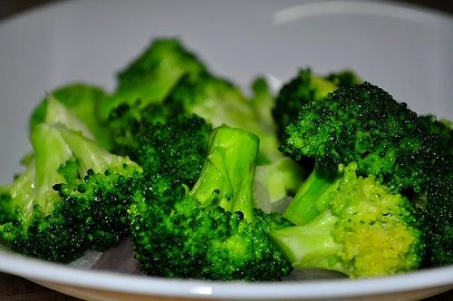 Receitas com brócolis: com azeite e vinagre
