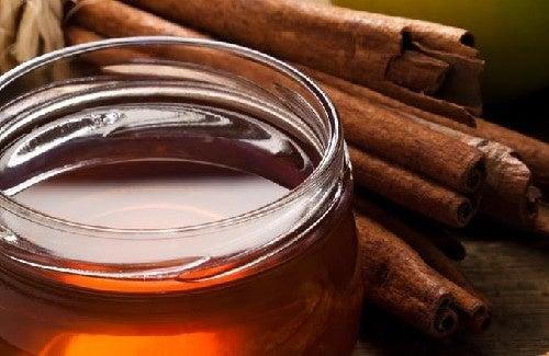 Canela e mel para tratar a artrite