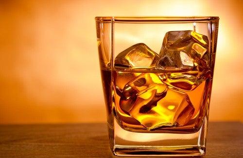 Consumo exagerado de Álcool faz mal aos ossos