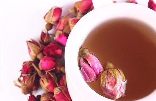 Receita de chá de rosas e seus maravilhosos benefícios