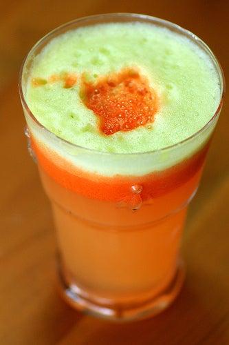 Suco de cenoura e uva para limpar o organismo