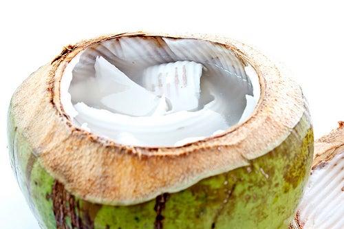 água de coco rica em minerais