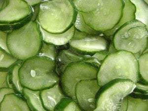 Pepino possui uma grande quantidade de água o que torna um poderoso diurético.