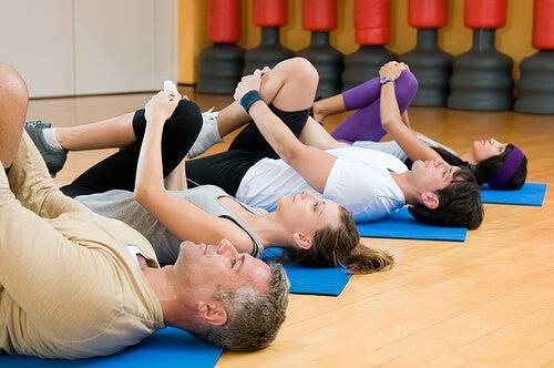 Conheça os benefícios do alongamento regular