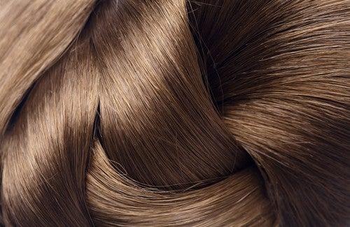Como dar brilho ao seu cabelo?