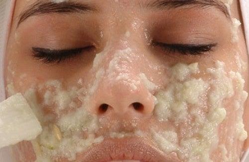 Cremes caseiros para eliminar as manchas do rosto