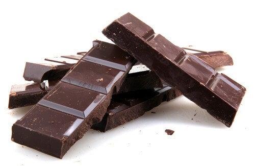 Resultado de imagem para chocolate preto