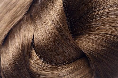 Loção de água e café para um cabelo com brilho