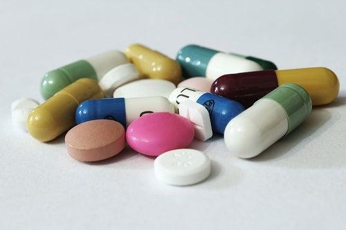Alguns medicamentos em formato de comprimidos