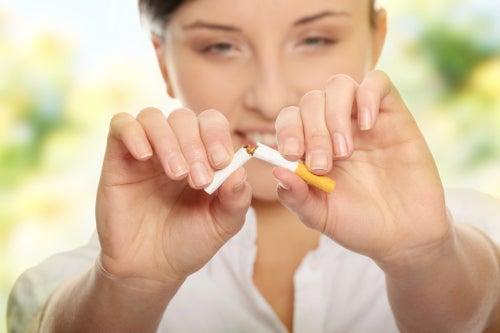Parar de fumar imediatamente para limpar os pulmões