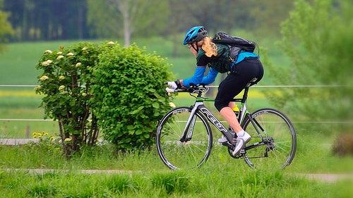 Andar de bicicleta deixa as pernas mais bonitas