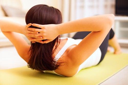 Descansar após cada exercício ajuda a acelerar o metabolismo.