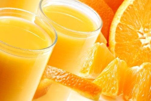 Os sucos depurativos também podem ajudar a combater a retenção de líquidos