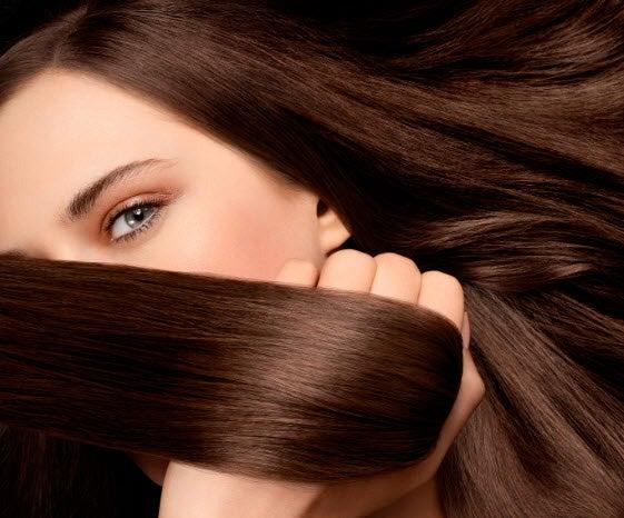 Alisamento do cabelo com cremes naturais