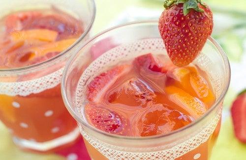 Água de morango para desintoxicar seu organismo
