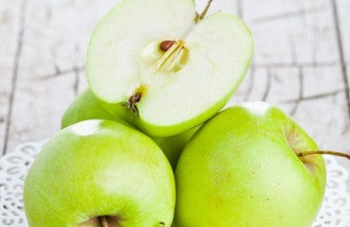Benefícios ao comer a maçã verde em jejum
