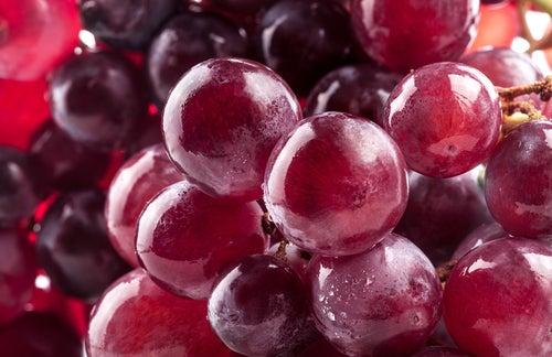 Os benefícios do consumo diário de uvas