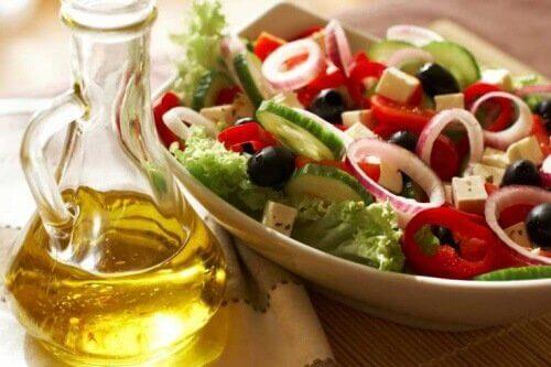 Por que a dieta mediterrânea pode me ajudar a emagrecer?