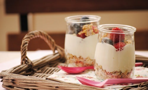 Receitas de cafés da manhã com frutas e cereais