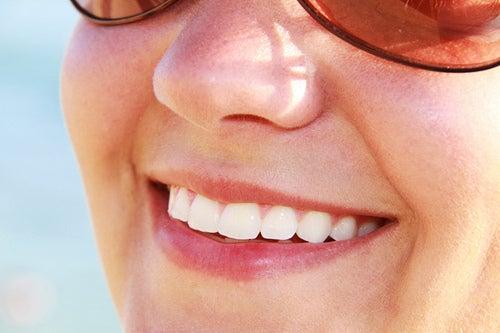 maçã verde para ajudar a obter dentes mais saudáveis
