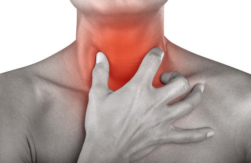 dor de garganta um