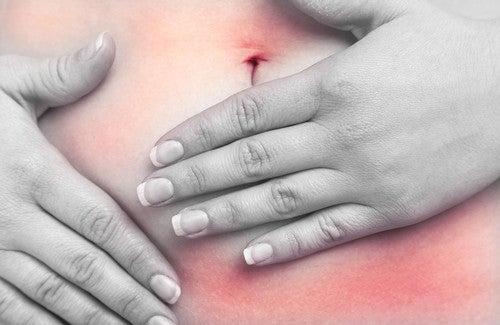 Alimentos que causam inflamação abdominal