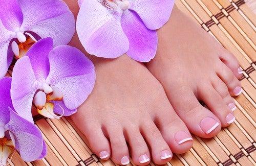 Fazer massagens nos pés para embelezá-los