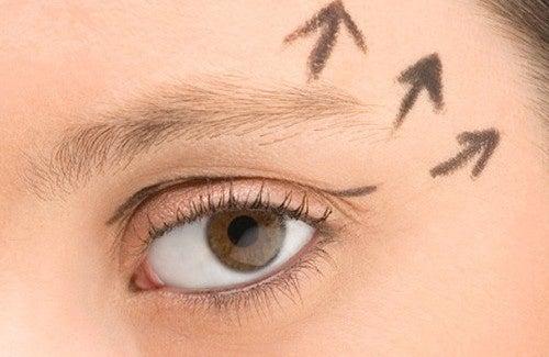 Truque para rejuvenescer a região dos olhos