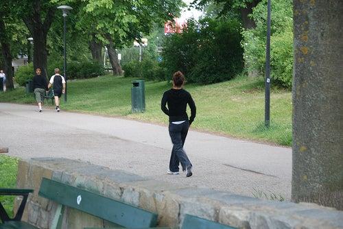 caminhada ajuda a aumentar os glúteos