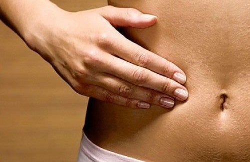 O que pode causar a inflamação abdominal? Como tratar?