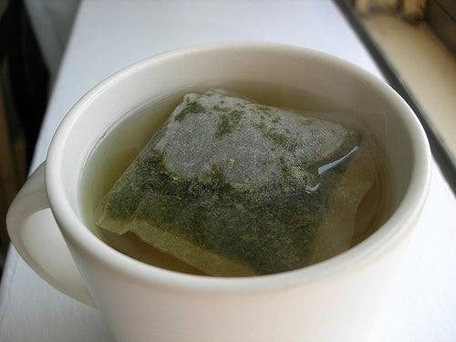 Chá verde para auxiliar a limpar o fígado