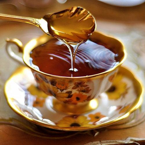 Infusão de mel para curar a dor de garganta