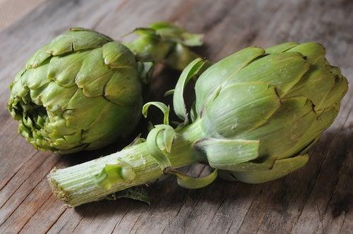 Suco de alcachofa para perder peso