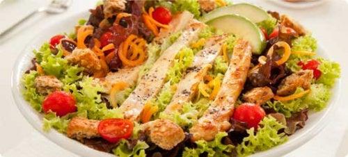 Linhaça moída na salada