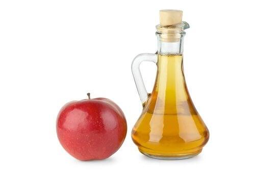 O vinagre de maçã pode ajudar a cuidar do cabelo tingido