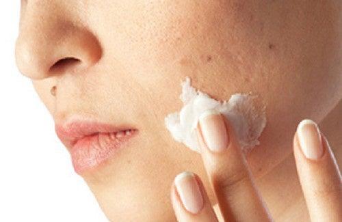 Limpe as impurezas da pele em um mês