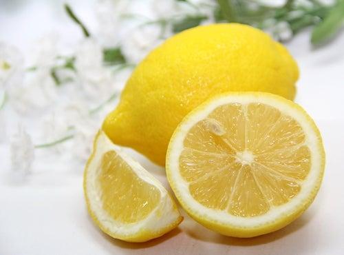 Suco de limão para o cabelo