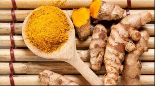 A cúrcuma possui propriedades anti-inflamatórias