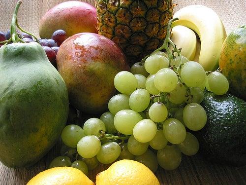 As frutas compõe uma dieta balanceada contra o refluxo